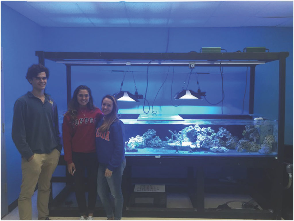 Students from Coral Gables Senior High School in the Coral Morphologic-donated 'Coral Lab' © Coral Morphologic