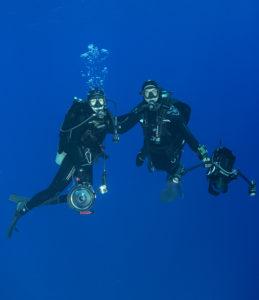 Shari and Kip (c)Brett Garling Mission BlueAG4V0876